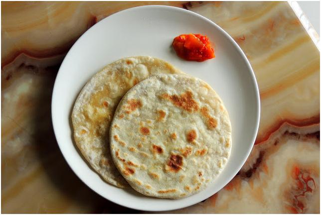 keLyachee puranapoli in plate