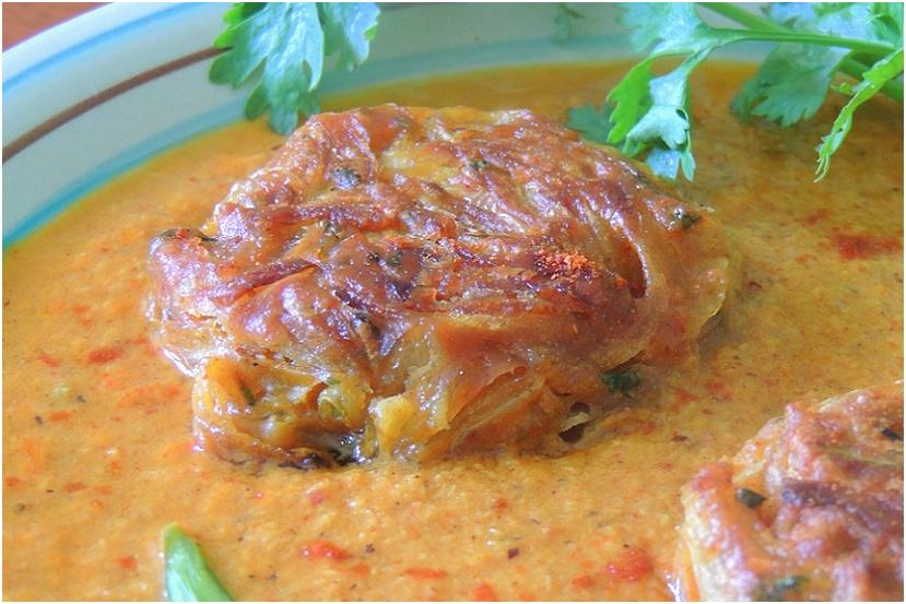 Onion pakoda in malvani gravy close up